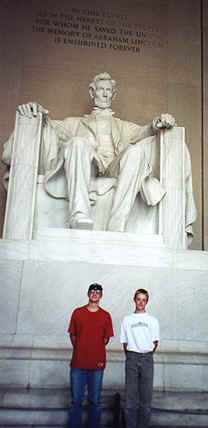 Kenny n Peter with Abe.tif (294746 bytes)